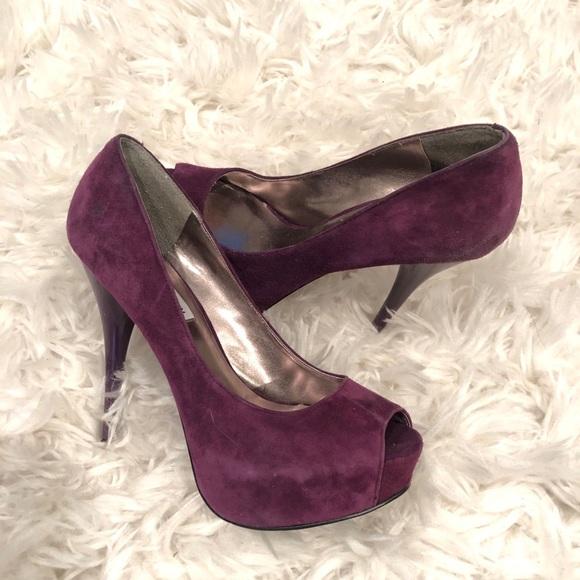 f775f9718b10 Steve Madden Purple Platform Peep Toe Pumps. M 5b1329f604e33dd6f6b7daed